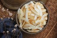 Cần giảm cân mà lại thèm ăn vặt thì phải làm ngay món dừa sấy giòn với 3 bước thần tốc!