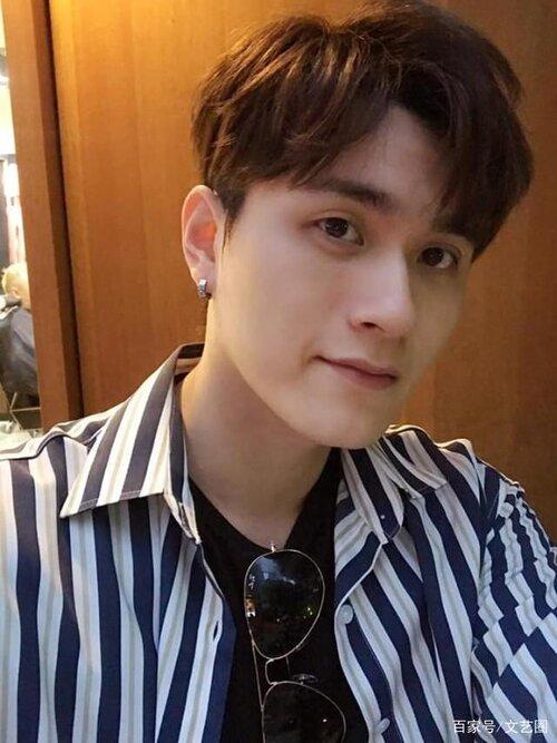 Nam ca sĩ 26 tuổi nổi tiếng Hong Kong uống thuốc ngủ tự tử tại nhà riêng-1