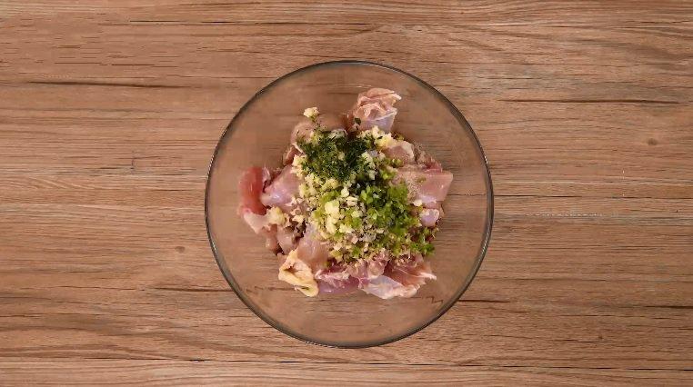 Làm món gà chiên dễ như ăn kẹo mà lại ghi điểm tuyệt đối trong mắt nhà chồng vì hương vị thơm ngon hết sảy-3