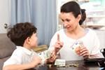 Lời khuyên cực 'chất' để nuôi dạy con cái không hư hỏng: Hãy cho con tiền tiêu vặt hàng tháng theo những cách này