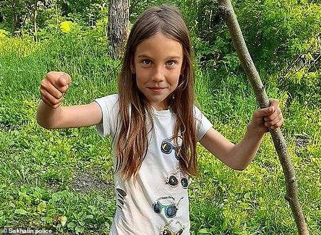 Cãi nhau với bố mẹ, bé gái 8 tuổi bỏ nhà đi rồi bị hãm hiếp và giết chết, bức ảnh khoảnh khắc cuối cùng của cô bé gây xót xa-2