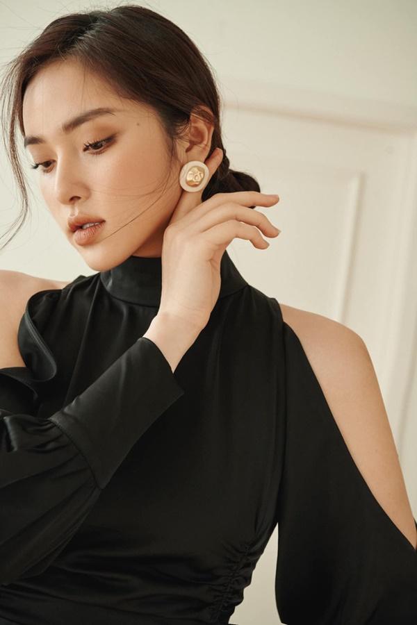 Xuất hiện ứng viên nặng kí của Hoa Hậu Việt Nam 2020: Dáng đẹp, mặt xinh, makeup tông nude đã tây còn na ná Châu Bùi-4
