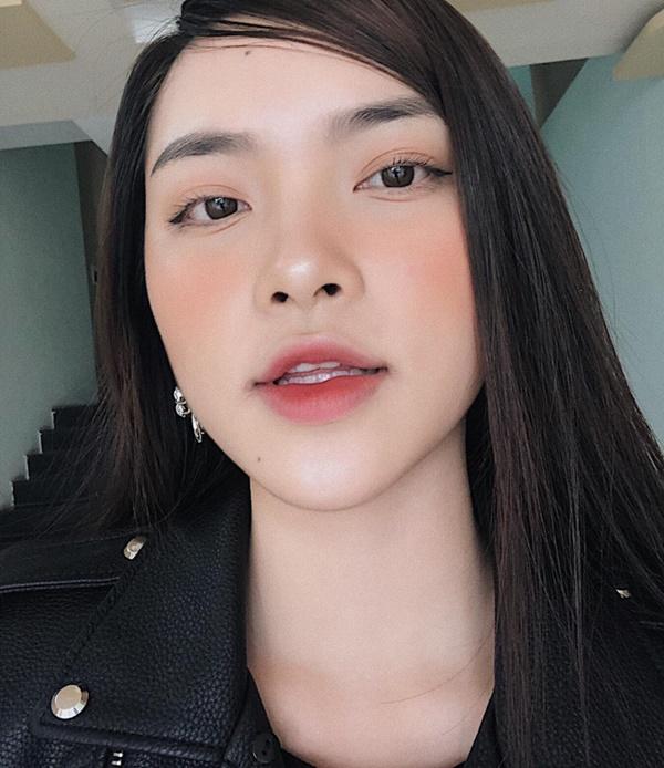 Xuất hiện ứng viên nặng kí của Hoa Hậu Việt Nam 2020: Dáng đẹp, mặt xinh, makeup tông nude đã tây còn na ná Châu Bùi-9