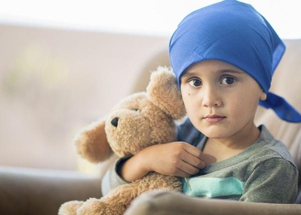 Khi nào sốt, chảy máu mũi là dấu hiệu trẻ mắc ung thư?-1