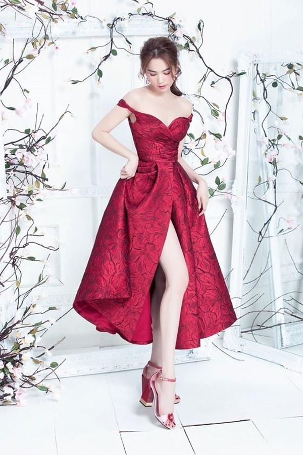 Đến Ngọc Trinh mà không áp dụng thủ thuật tạo dáng này thì điểm sexy cũng vơi đi phân nửa khi diện váy xẻ vạt-4