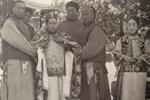 Loạt ảnh cũ của những đứa trẻ cuối thời nhà Thanh: Người sống trong nhung lụa từ bé, kẻ áo rách đói ăn khát uống quanh năm-13