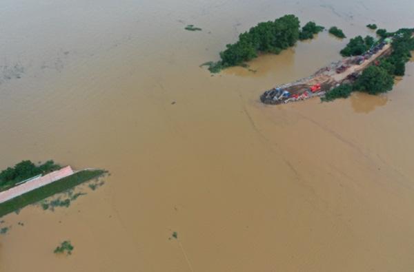 Trung Quốc nâng mức cảnh báo phòng lũ lụt lên nghiêm trọng-1