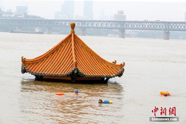 Trung Quốc nâng mức cảnh báo phòng lũ lụt lên nghiêm trọng-2