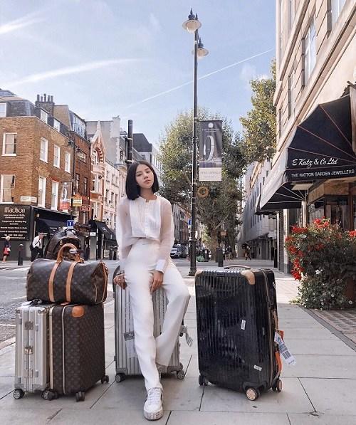 Khám kho hàng hiệu hàng chục tỷ của Hoa hậu duy nhất là rich kid Jolie Nguyễn-15