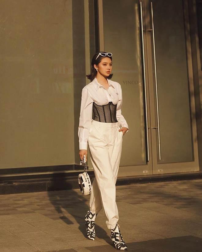 Khám kho hàng hiệu hàng chục tỷ của Hoa hậu duy nhất là rich kid Jolie Nguyễn-18