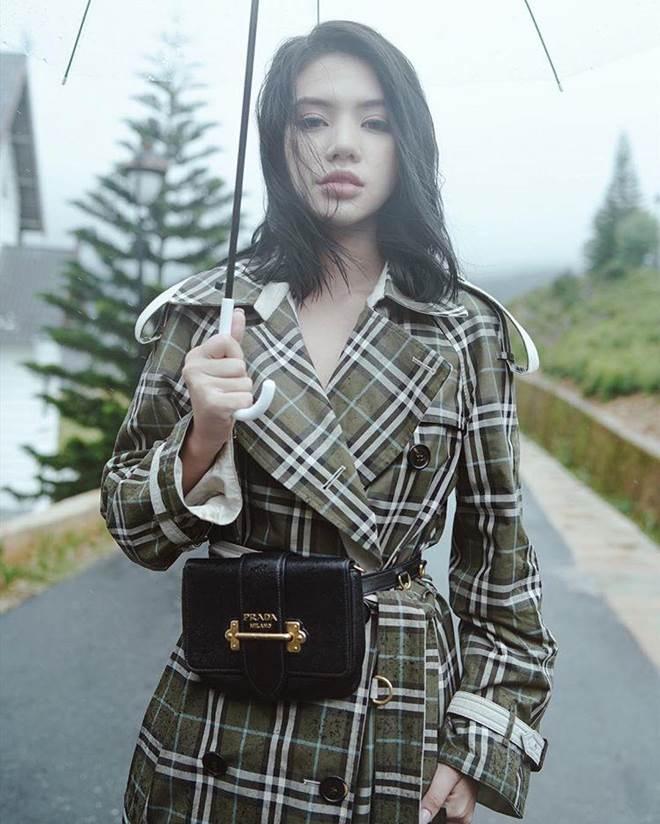 Khám kho hàng hiệu hàng chục tỷ của Hoa hậu duy nhất là rich kid Jolie Nguyễn-19