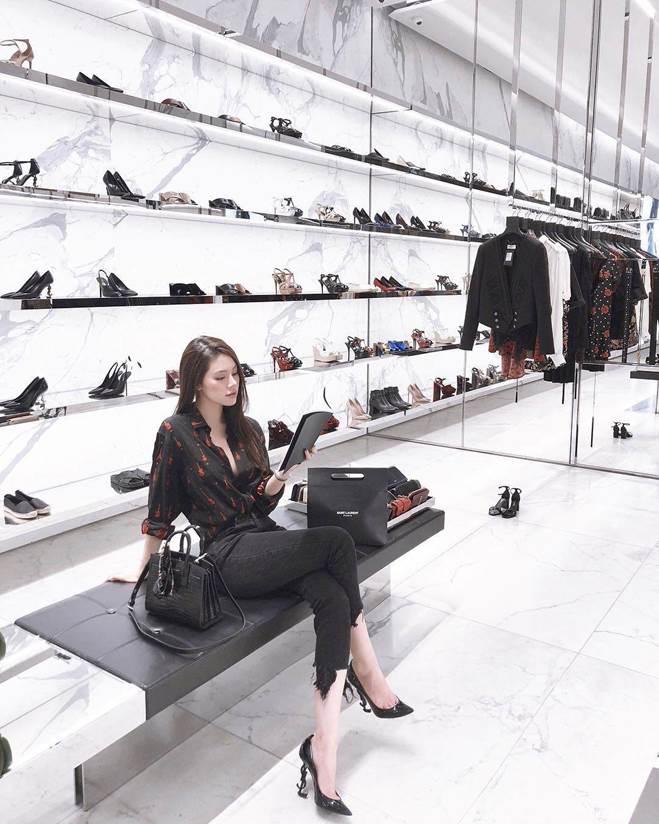 Khám kho hàng hiệu hàng chục tỷ của Hoa hậu duy nhất là rich kid Jolie Nguyễn-3