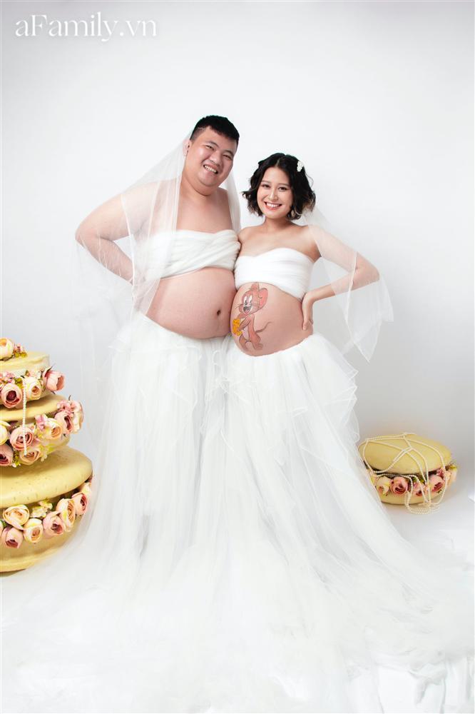 Bộ ảnh bầu hot nhất MXH: Bố bụng mỡ tạo dáng xinh không kém mẹ bầu, ai xem cũng phải thốt lên quá dễ thương-7