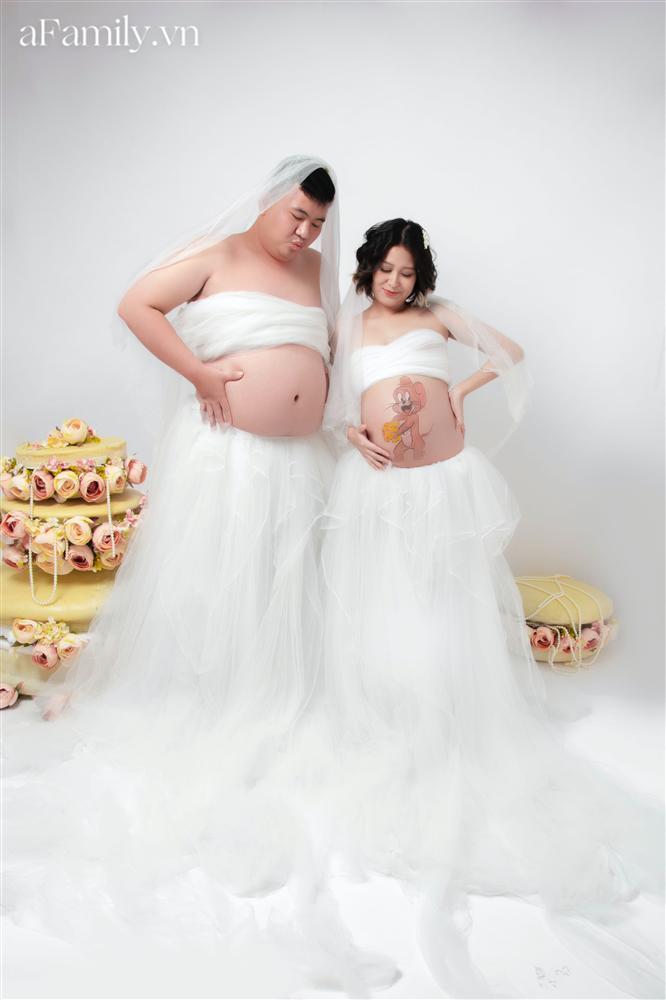 Bộ ảnh bầu hot nhất MXH: Bố bụng mỡ tạo dáng xinh không kém mẹ bầu, ai xem cũng phải thốt lên quá dễ thương-9