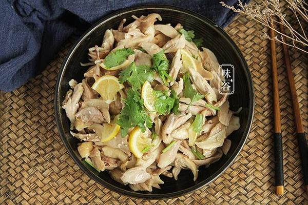 Dùng nồi cơm điện làm món đùi gà hấp muối, 30 phút có ngay món ăn thơm nức mũi-1