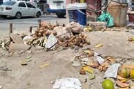 Vụ người phụ nữ bán hoa quả bị đâm tử vong ở Hà Nội: Một khách hàng đem 2 nghìn đồng đến hiện trường trả lại cho người đã khuất