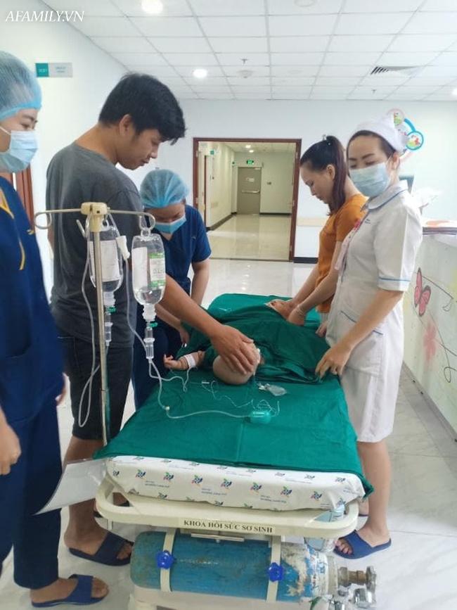 Mẹ 2 bé gái song sinh dính nhau nghẹn ngào mong con bình an trước khi bước vào ca mổ sinh tử-5