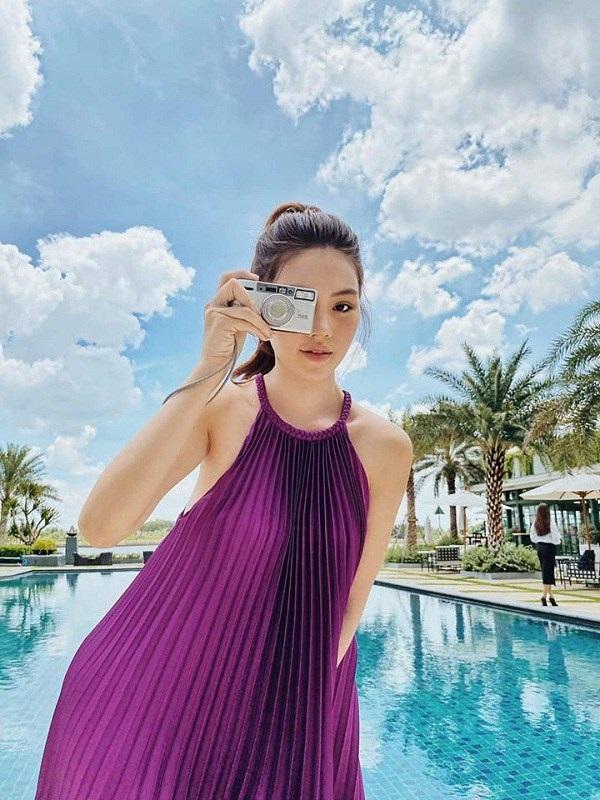 Các người đẹp Việt đang phải lòng một kiểu váy siêu thoải mái, diện vào mùa hè đẹp miễn chê-3