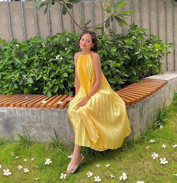 Các người đẹp Việt đang phải lòng một kiểu váy siêu thoải mái, diện vào mùa hè đẹp miễn chê-6