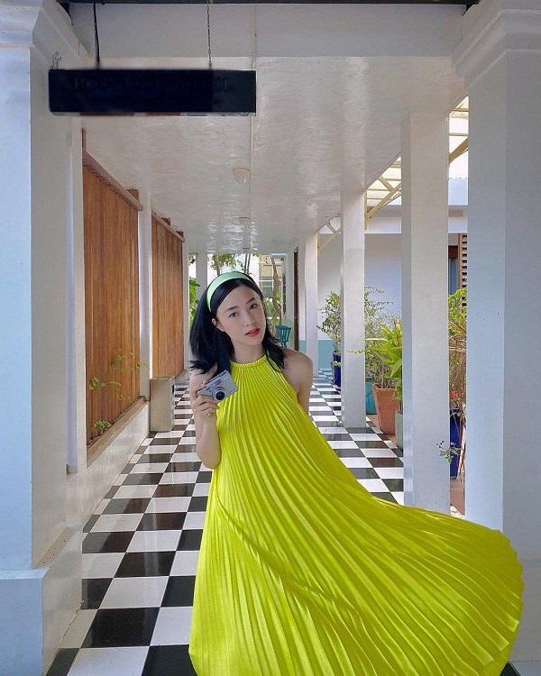 Các người đẹp Việt đang phải lòng một kiểu váy siêu thoải mái, diện vào mùa hè đẹp miễn chê-8