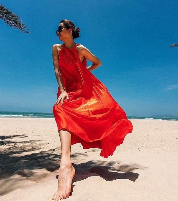 Các người đẹp Việt đang phải lòng một kiểu váy siêu thoải mái, diện vào mùa hè đẹp miễn chê-9
