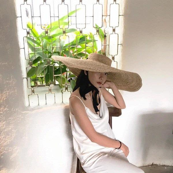 Các người đẹp Việt đang phải lòng một kiểu váy siêu thoải mái, diện vào mùa hè đẹp miễn chê-11