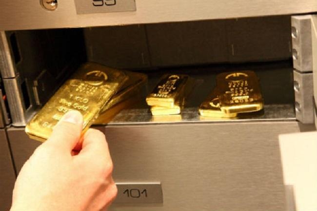Mua vàng cất két, vợ chồng trẻ lãi hàng trăm triệu nhờ vàng tăng điên cuồng-2