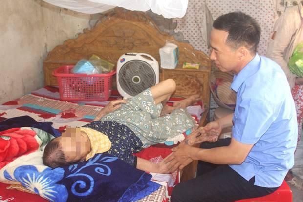 Nỗi ân hận của người con trai đánh mẹ già 84 tuổi bại liệt ở Hải Dương-1