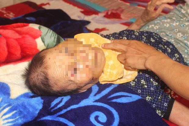 Nỗi ân hận của người con trai đánh mẹ già 84 tuổi bại liệt ở Hải Dương-2