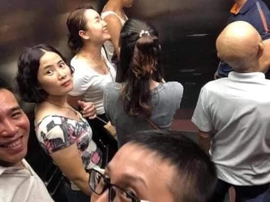 Toàn cảnh vụ rơi thang máy trong bệnh viện ở Hà Nội, nhưng thay vì la hét hay hoảng loạn thì nhóm người này lại làm một hành động khiến ai cũng... mừng-3