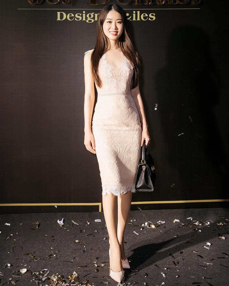 Quản lý của Ngọc Trinh: Body nóng bỏng không thua nữ hoàng nội y, phong cách sang chảnh chuẩn chỉnh kiểu Bông Hậu-19