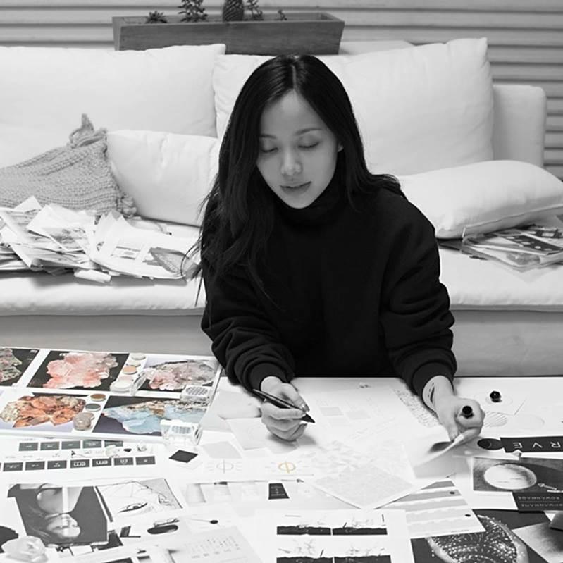 Nữ Youtuber gốc Việt đình đám thế giới, từng kiếm 70 tỷ/năm rồi đột ngột biến mất giờ ra sao?-12