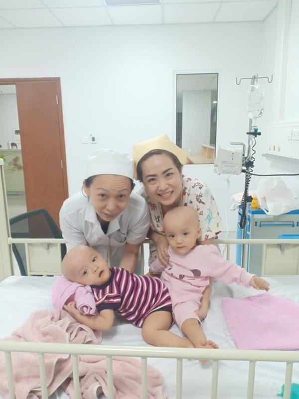 ẢNH: Khoảnh khắc xúc động trong suốt 12 tiếng phẫu thuật giúp Trúc Nhi - Diệu Nhi có được hình hài nguyên vẹn-1