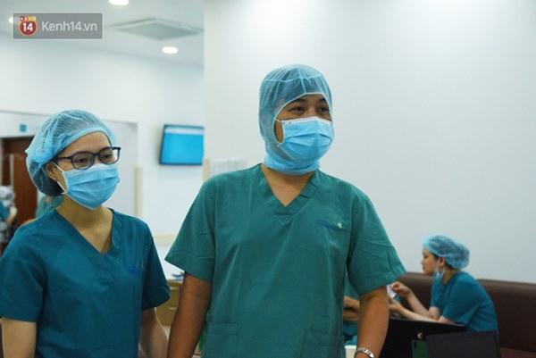 ẢNH: Khoảnh khắc xúc động trong suốt 12 tiếng phẫu thuật giúp Trúc Nhi - Diệu Nhi có được hình hài nguyên vẹn-17
