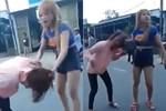 Xôn xao clip Xôn xao clip cô gái trẻ bị đôi nam nữ đánh tới tấp giữa đường