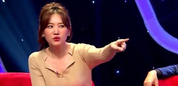 Hari Won kể khổ vì Trấn Thành tậu 1 lúc 100 chai nước hoa, siêng lau bộ sưu tập còn hơn ôm vợ-1