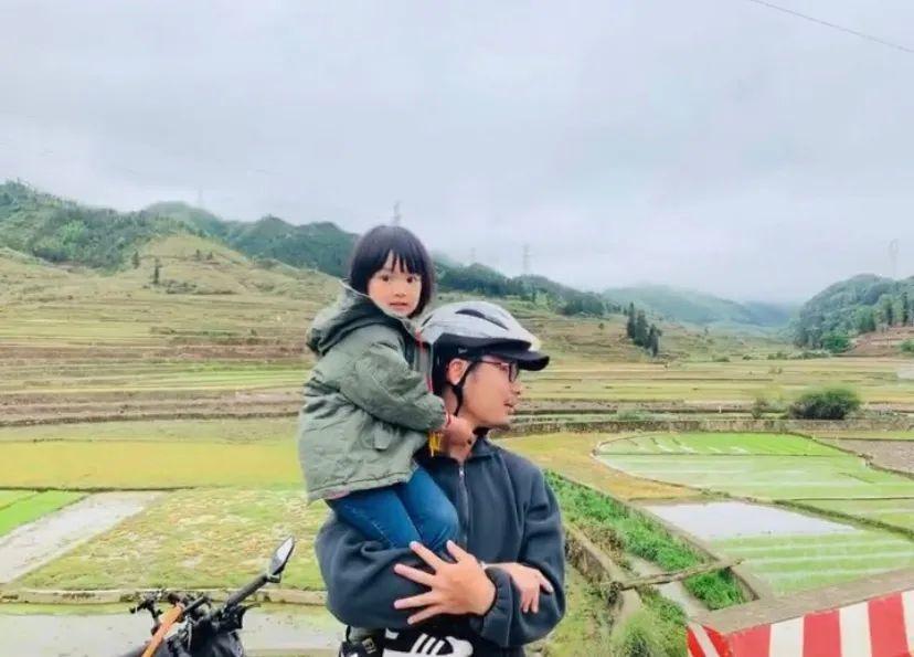 71 ngày, 4139 cây số, ông bố đơn thân đưa con gái 4 tuổi đi ngao du trên xe đạp-23
