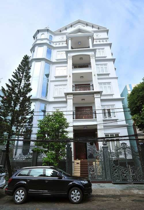 Lấy chồng rút khỏi showbiz, Trang Nhung ở biệt thự trăm tỷ, thuê 7 giúp việc dọn nhà-2