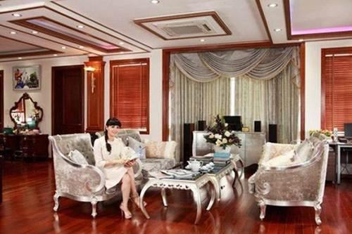 Lấy chồng rút khỏi showbiz, Trang Nhung ở biệt thự trăm tỷ, thuê 7 giúp việc dọn nhà-3