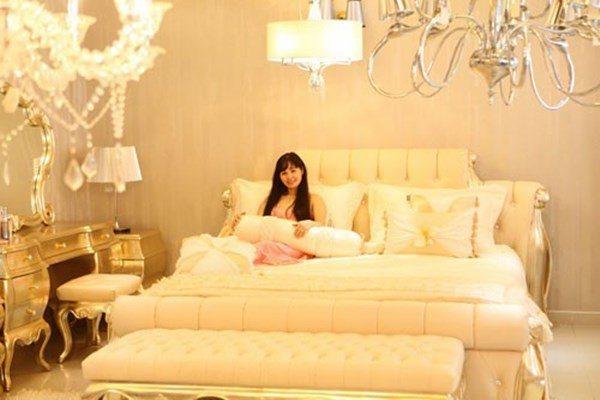 Lấy chồng rút khỏi showbiz, Trang Nhung ở biệt thự trăm tỷ, thuê 7 giúp việc dọn nhà-6