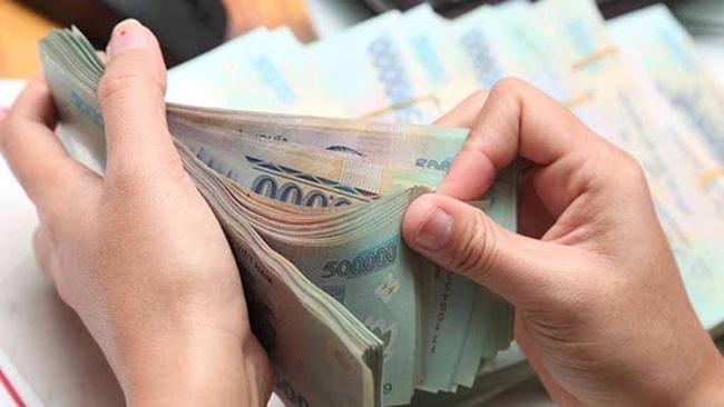 Không thấy chồng gửi tiền sau 6 tháng đi làm ở nước ngoài, vợ phát hiện mẹ chồng nhúng tay và màn giải quyết cực gắt sau đó-1
