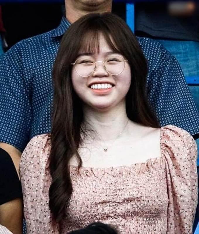 Bạn gái Quang Hải bị soi vòng 2 lớn bất thường-7