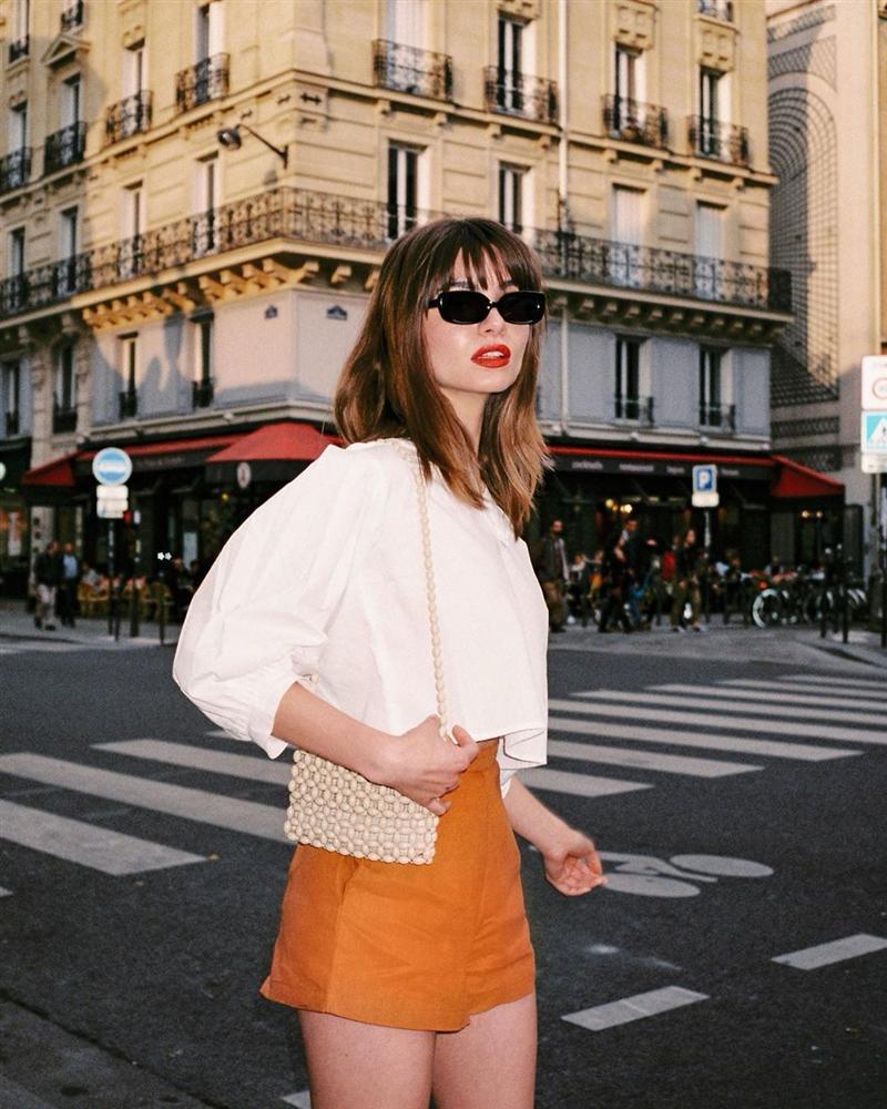 Phụ nữ Pháp mặc gì cũng sang, một phần là bởi họ rất ưu ái 3 kiểu túi xách sau đây-11
