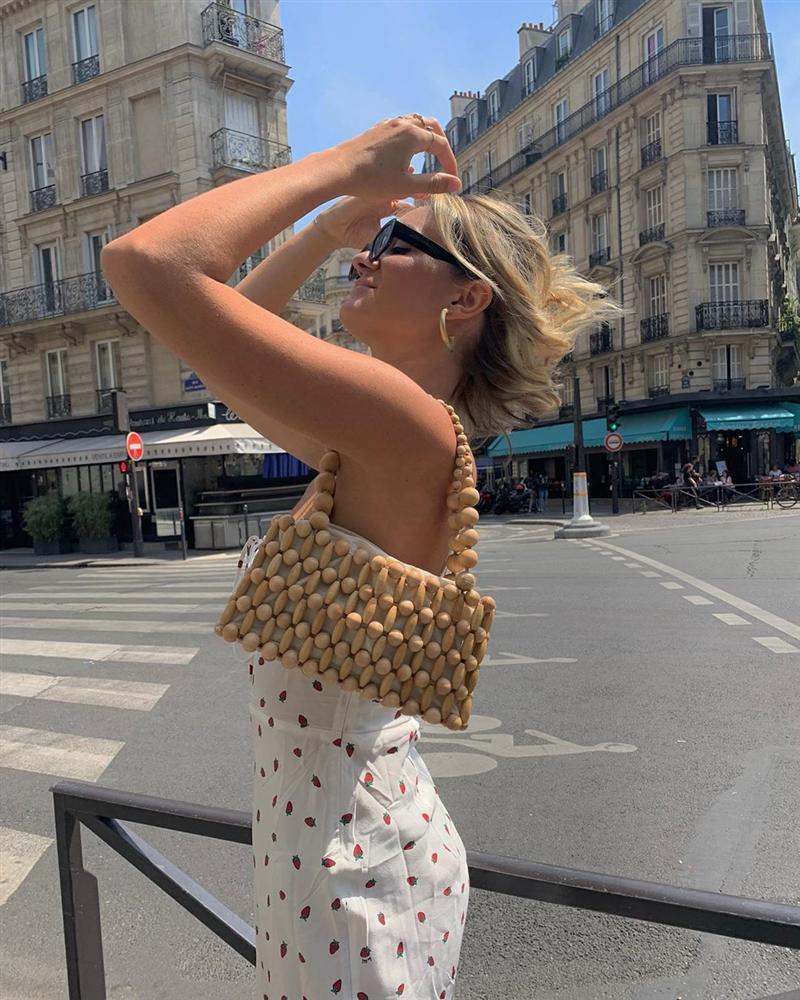 Phụ nữ Pháp mặc gì cũng sang, một phần là bởi họ rất ưu ái 3 kiểu túi xách sau đây-12