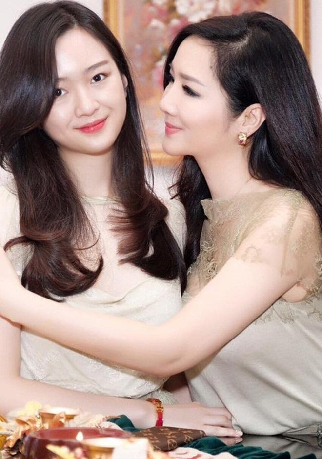 5 tiểu thư nức tiếng nhà sao Việt: Con gái Diễm My 6X thạo 4 thứ tiếng, con Quyền Linh - Giáng My tiềm năng thành hoa hậu-10