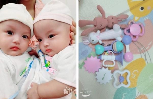 Cặp song sinh Trúc Nhi - Diệu Nhi vẫn còn đau sau ca mổ, người mẹ mua đồ chơi nhờ bác sĩ tiệt trùng gửi cho con-2
