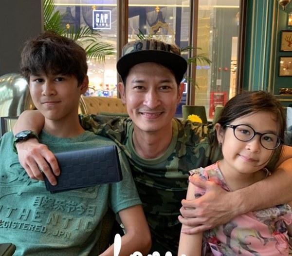 Mới 15 tuổi, con trai của Huy Khánh đã ra dáng hot boy với chiều cao 1m80 cùng khuôn mặt điển trai-8