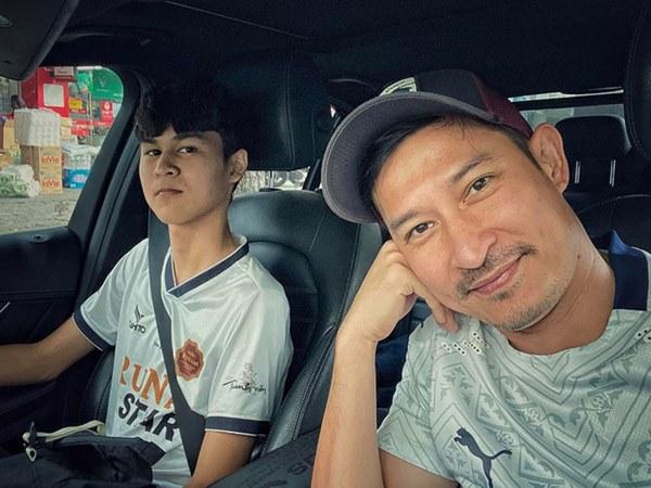 Mới 15 tuổi, con trai của Huy Khánh đã ra dáng hot boy với chiều cao 1m80 cùng khuôn mặt điển trai-9