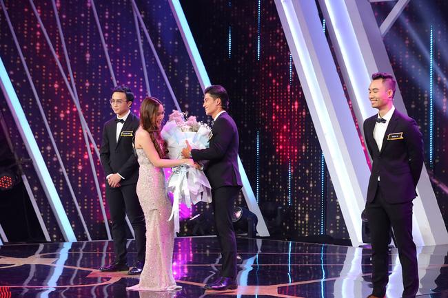 Người ấy là ai?: Nữ chính bỏ qua em trai Ngô Thanh Vân, chọn chàng diễn viên có màn lộ diện đau tim nhất lịch sử chương trình-7