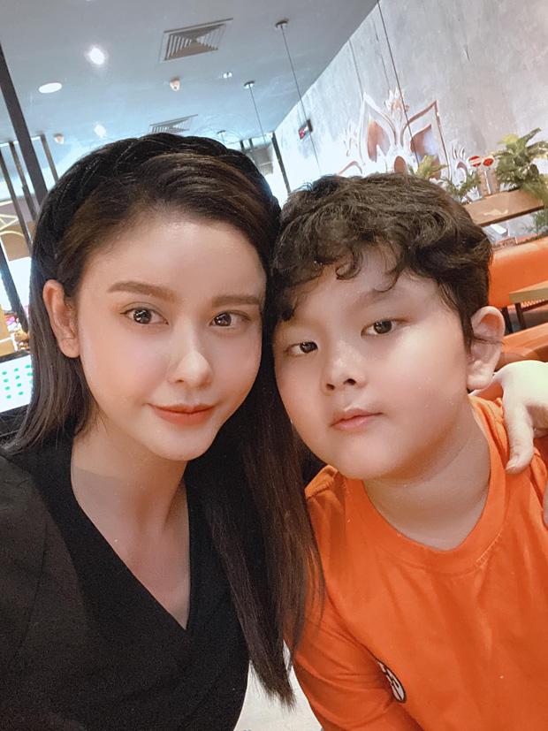 Hậu ly hôn, vợ cũ sao Việt sống như thế nào? Người lột xác đi bar đu đưa, người háo hức tìm tình yêu mới-6